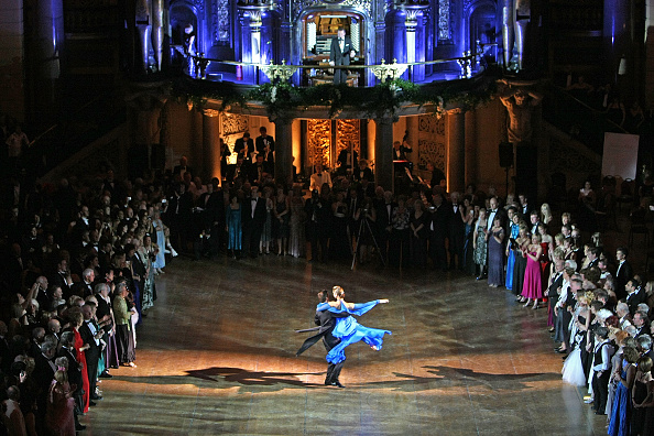 Cultures「St George's Hall Hosts Viennese Balls For City Of Culture」:写真・画像(14)[壁紙.com]