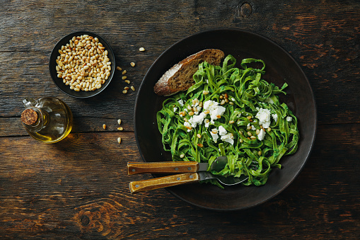 Pine Nut「Spinach pasta with creamy broccoli pesto, pine nuts and feta」:スマホ壁紙(19)