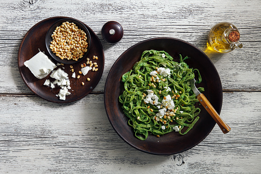 Pine Nut「Spinach pasta with creamy broccoli pesto, pine nuts and feta」:スマホ壁紙(15)