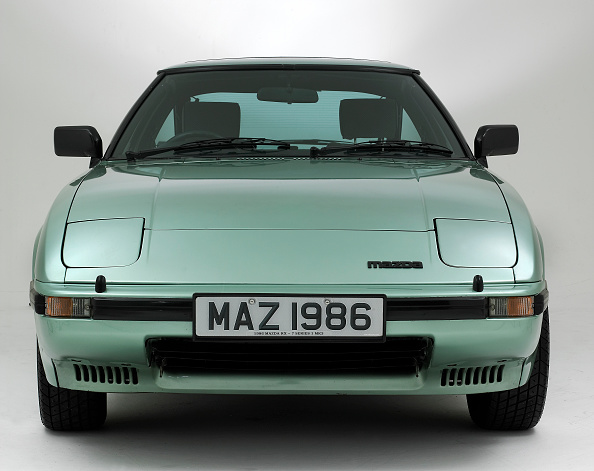 Environmental Conservation「1991 Mazda RX7」:写真・画像(10)[壁紙.com]