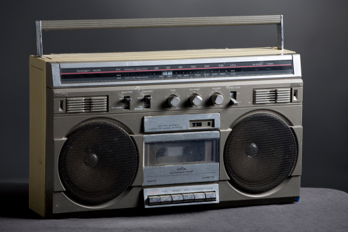 1980-1989「Retro analog boom box」:スマホ壁紙(19)