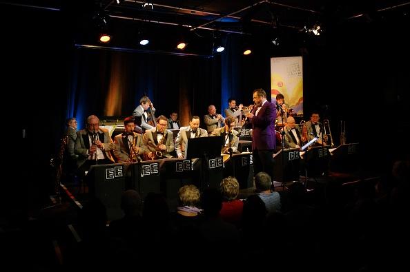 楽器「Pete Long, Ropetackle Arts Centre, Shoreham, West Sussex, Jan 2016」:写真・画像(13)[壁紙.com]