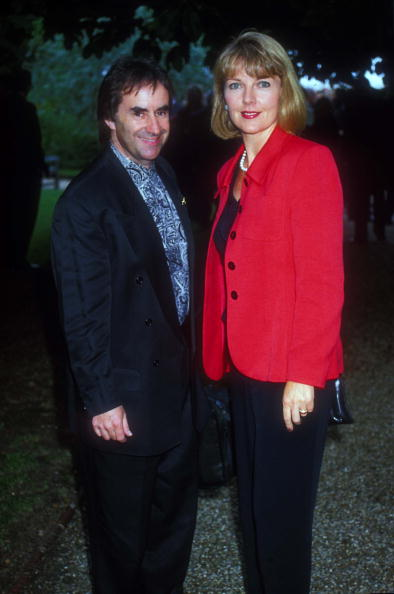 Dave Benett「Chris De Burgh With Wife Diane At Sir David Frost's Summer Party , London」:写真・画像(3)[壁紙.com]