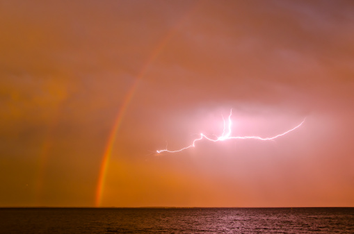 Double Rainbow「Lightning and double rainbow, Chesapeake Bay」:スマホ壁紙(5)