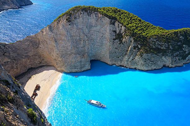 Navagio Beach, Zakynthos island, Greece:スマホ壁紙(壁紙.com)