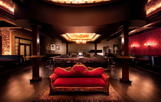 Indoors「Luxurious sofa in bar」:スマホ壁紙(10)