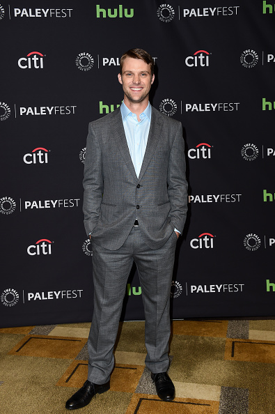 "Paley Center for Media「The Paley Center For Media's 33rd Annual PaleyFest Los Angeles - Stars Of ""Law And Order: SVU"", ""Chicago Fire"", ""Chicago P.D."", And ""Med"" Salute Dick Wolf - Arrivals」:写真・画像(14)[壁紙.com]"