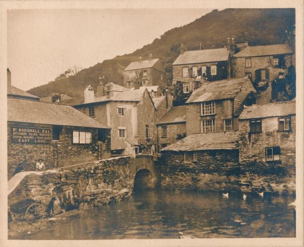 Physical Geography「House On Props - Polperro', 1927」:写真・画像(3)[壁紙.com]