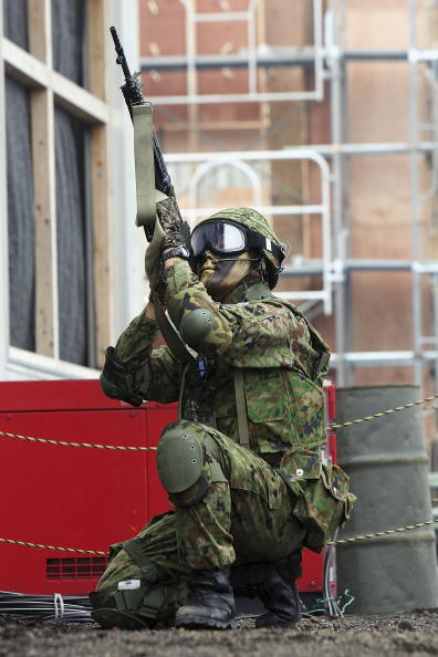Tokai Region「Japanese Army Conduct Anti-Terrorism And Urban Combat Drills」:写真・画像(7)[壁紙.com]