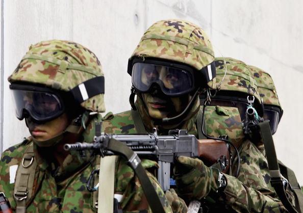 Japanese Military「Japanese Army Conduct Anti-Terrorism And Urban Combat Drills」:写真・画像(6)[壁紙.com]
