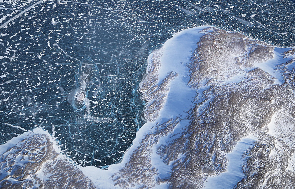 Sea「NASA Continues Efforts To Monitor Arctic Ice Loss With Research Flights Over Greenland and Canada」:写真・画像(1)[壁紙.com]