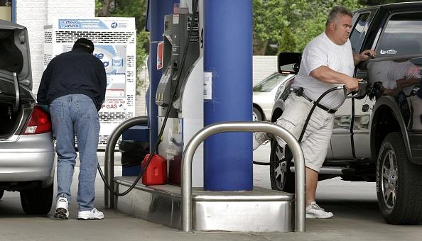 繊細「Michigan Gas Station Temporarily Rolls Back Prices」:写真・画像(8)[壁紙.com]