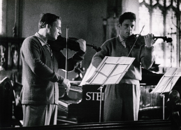 Classical Musician「Menuhin Plays Britten」:写真・画像(11)[壁紙.com]