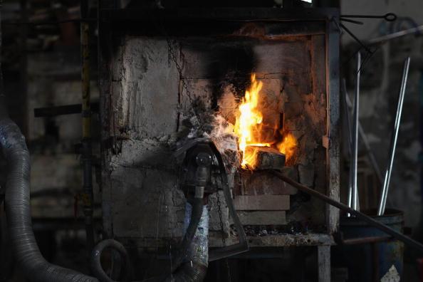 花瓶「Traditional Venetian Glass Blowers Practice Their Craft」:写真・画像(8)[壁紙.com]