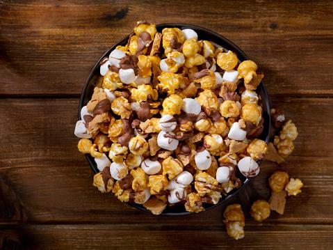 Milk Chocolate「Smores Caramel Popcorn」:スマホ壁紙(15)