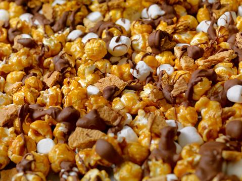Milk Chocolate「Smores Caramel Popcorn」:スマホ壁紙(7)
