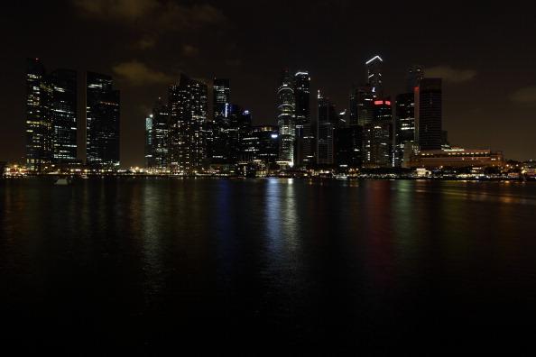 Urban Skyline「Singapore Goes Dark For Earth Hour」:写真・画像(11)[壁紙.com]