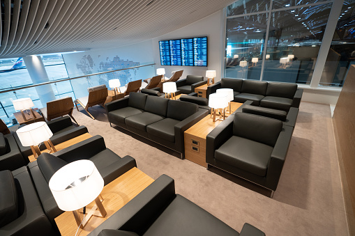Airport Departure Area「Empty business lounge at the airport」:スマホ壁紙(19)