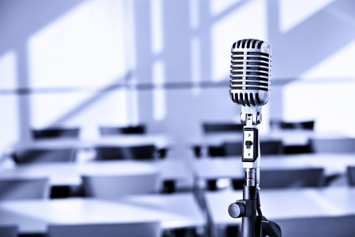 Auto Post Production Filter「Empty business conference hall with microphone」:スマホ壁紙(18)