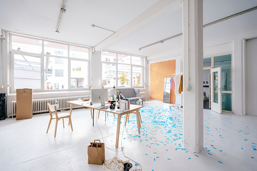 Creativity「Empty business loft」:スマホ壁紙(3)