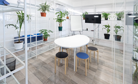 Buenos Aires「Empty business co-working meeting room」:スマホ壁紙(12)
