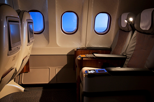 Business Travel「Empty business class seats in an airplane」:スマホ壁紙(1)