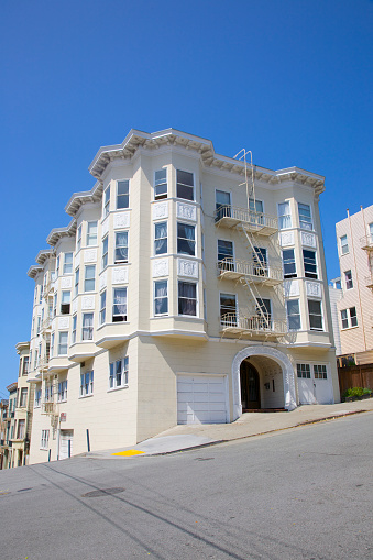 Steep「Masonry multi-family San Francisco building」:スマホ壁紙(2)