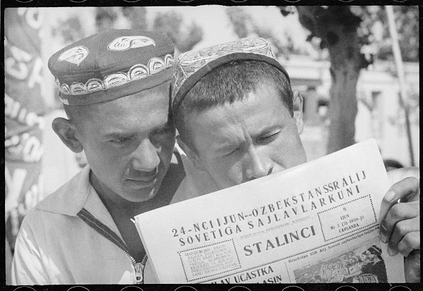 Max Penson「The 'stalinchi' Newspaper」:写真・画像(8)[壁紙.com]
