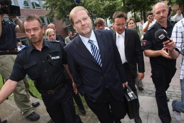 Wolfsburg - Lower Saxony「Hans-Juergen Uhl Tried For Embezzlement」:写真・画像(7)[壁紙.com]