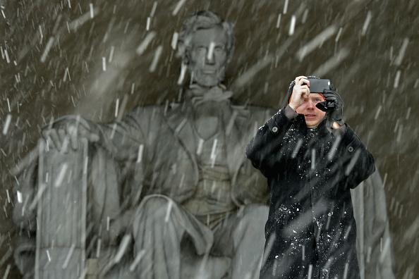 Frozen Water「March Snowstorm Hits Washington DC Area」:写真・画像(9)[壁紙.com]