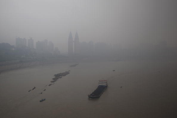 Chongqing「Nitrogen Oxide Levels Rise Dramatically As Economic Expansion Continues」:写真・画像(4)[壁紙.com]