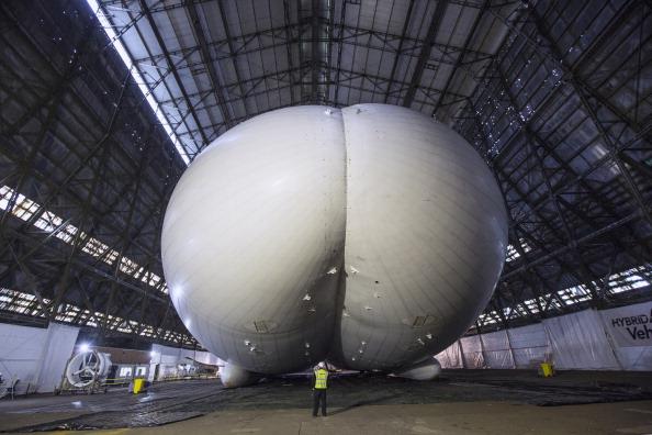 Offbeat「World's Longest Aircraft Unveiled」:写真・画像(13)[壁紙.com]