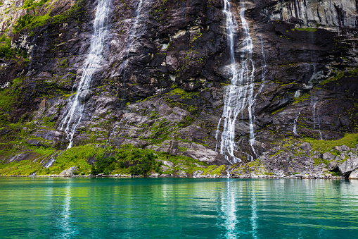 UNESCO「Seven Sisters Waterfall in the Geirangerfjord, Norway」:スマホ壁紙(13)