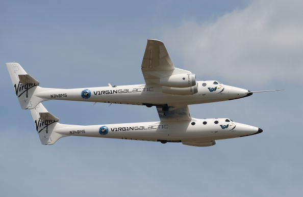 Space Exploration「E.A.A. 2009 AirVenture Fly-In」:写真・画像(15)[壁紙.com]