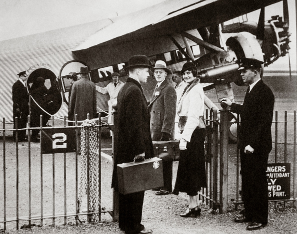 Passenger「Ford Trimotor Plane About To Depart From An Airfield circa 1932」:写真・画像(15)[壁紙.com]