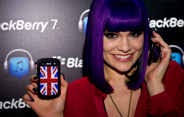 Eyeshadow「Launch of BBM Music and The BlackBerry 7 Smartphone Collection」:写真・画像(14)[壁紙.com]