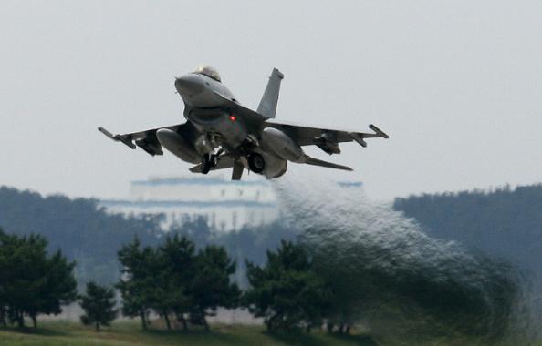 飛行機「South Korea & US Air Force Conduct Combined Training Exercise」:写真・画像(19)[壁紙.com]