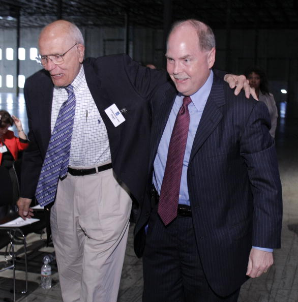 Lithium「GM CEO Henderson Details Plans For Michigan Plant To Build Volt Battery」:写真・画像(10)[壁紙.com]