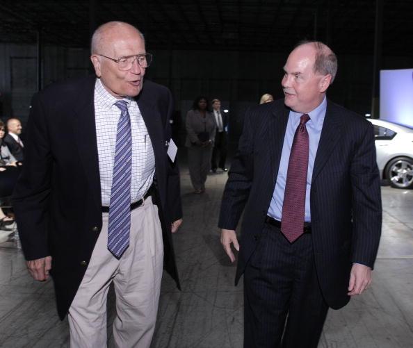 Lithium「GM CEO Henderson Details Plans For Michigan Plant To Build Volt Battery」:写真・画像(12)[壁紙.com]