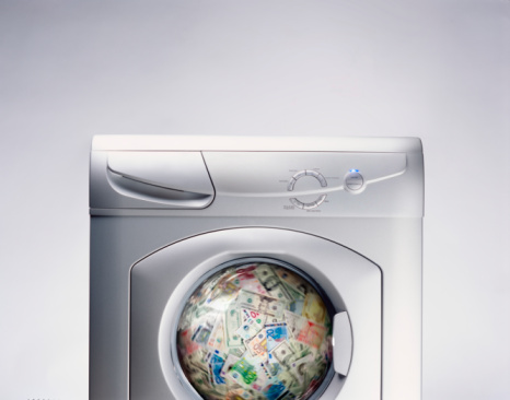 European Union「Bank notes spinning in washing machine (Digital Composite)」:スマホ壁紙(2)