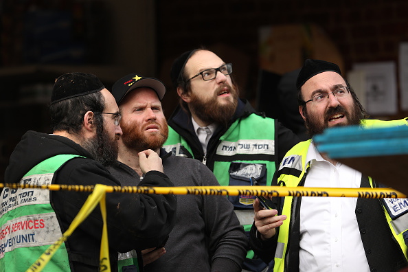 Jersey City「Officials Say Shooting In Jersey City At Kosher Market Was Targeted Attack」:写真・画像(13)[壁紙.com]