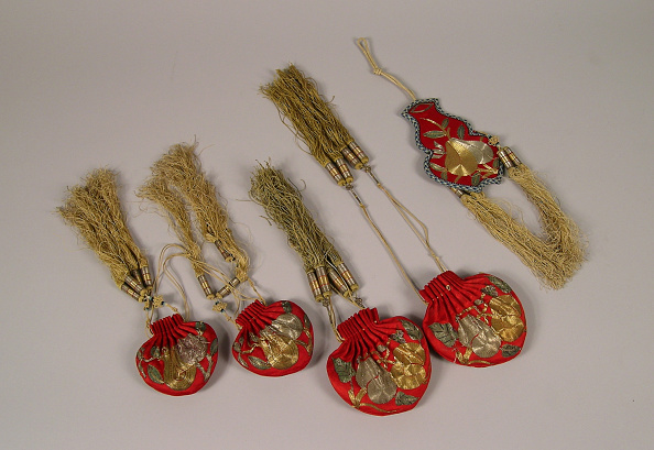 Animal Body Part「Set of 10 Cases and Pouches made of red satin weave, metallic thread and glass beads」:写真・画像(7)[壁紙.com]