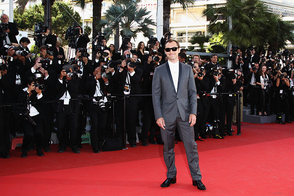 "Straight leg pants「""The Tree Of Life"" Premiere - 64th Annual Cannes Film Festival」:写真・画像(8)[壁紙.com]"