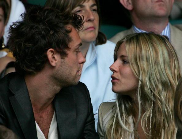 Clive Brunskill「Celebrities At Wimbledon 2004」:写真・画像(0)[壁紙.com]