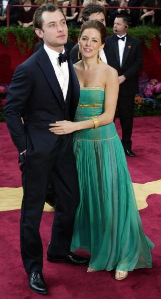 Sienna Miller「76th Annual Academy Awards - Arrivals」:写真・画像(13)[壁紙.com]