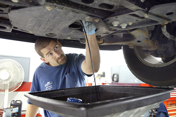 Mechanic「Unemployment Slips To 5.9 Percent In November」:写真・画像(2)[壁紙.com]
