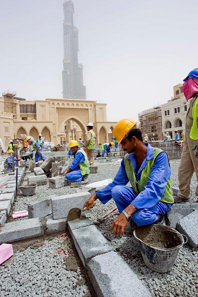 Employment And Labor「Palace Hotel Construction Site, Dubai, United Arab Emirates, May 2007.」:写真・画像(18)[壁紙.com]