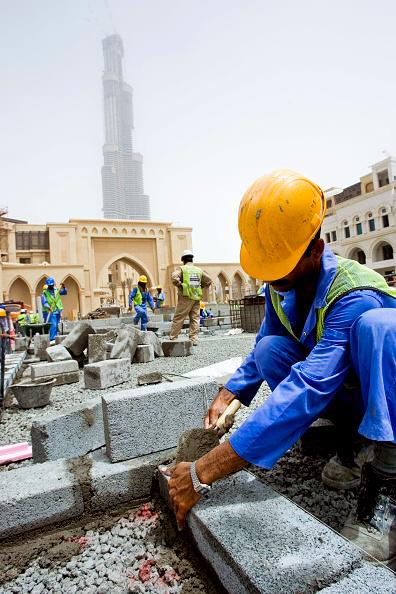 Construction Equipment「Palace Hotel Construction Site, Dubai, United Arab Emirates, May 2007.」:写真・画像(7)[壁紙.com]