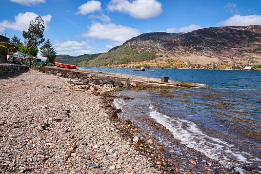 スコットランド文化「Looking across Loch Carron at South Strome」:スマホ壁紙(2)
