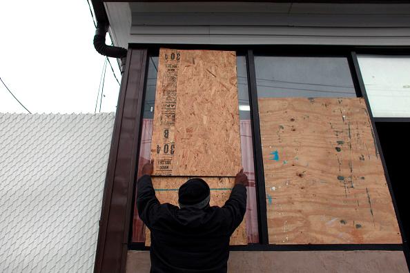 Emergency Planning「Mid Atlantic Coast Prepares For Hurricane Sandy」:写真・画像(7)[壁紙.com]